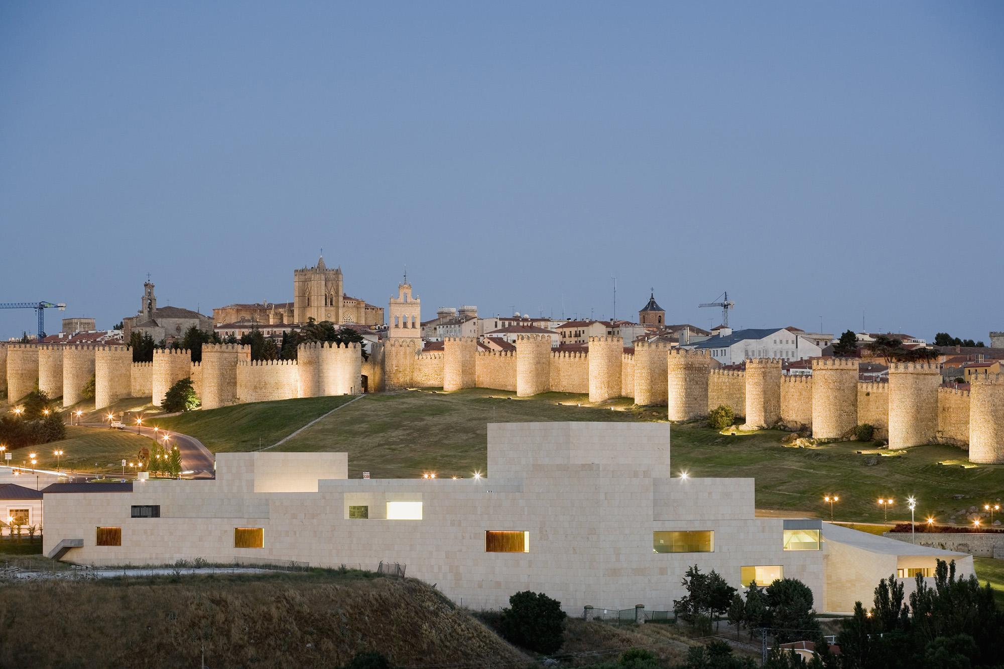 Lienzo Norte, Centro de Congresos y Exposiciones de Ávila. 2001–2009. Foto: Pedro Pegenaute