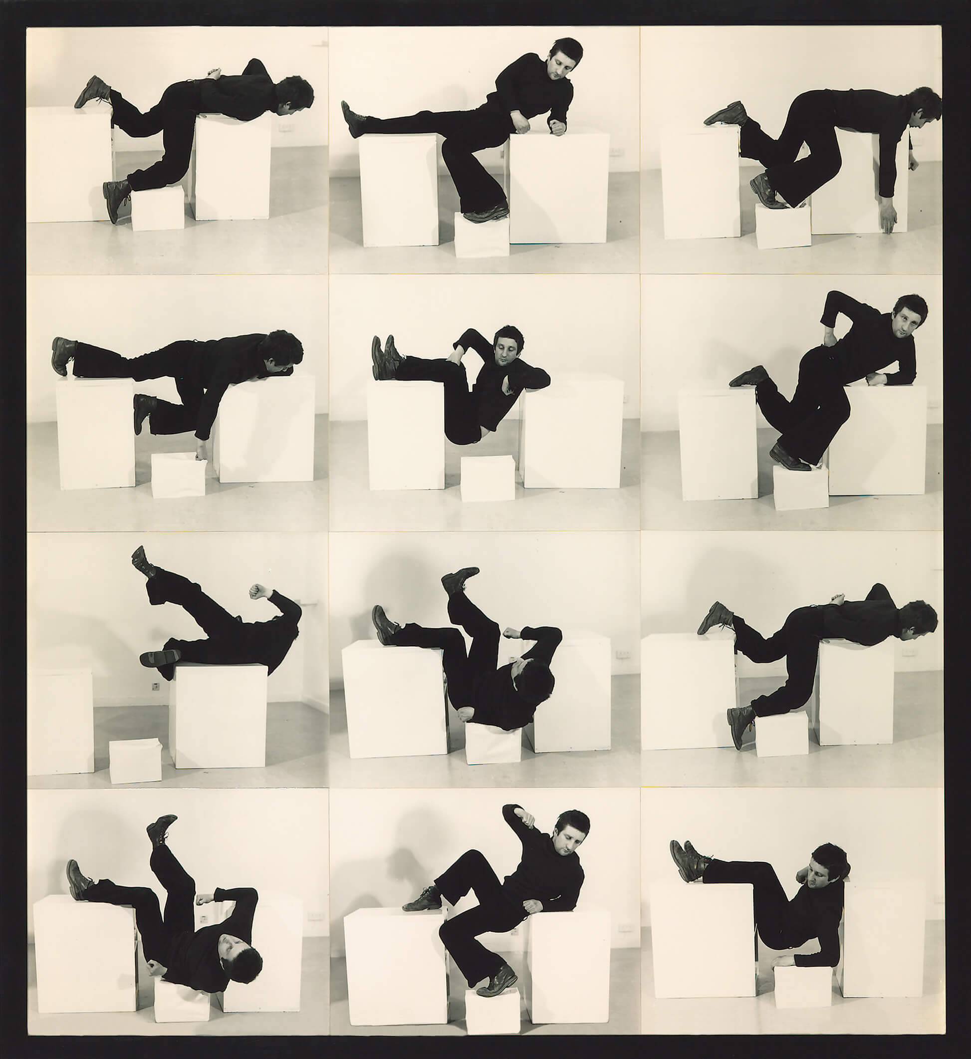 Bruce McLean: «Pose Work for Plinths III», de la serie Pose Works for Plinths. Situation Gallery, Londres, 1971. Tate, Londres